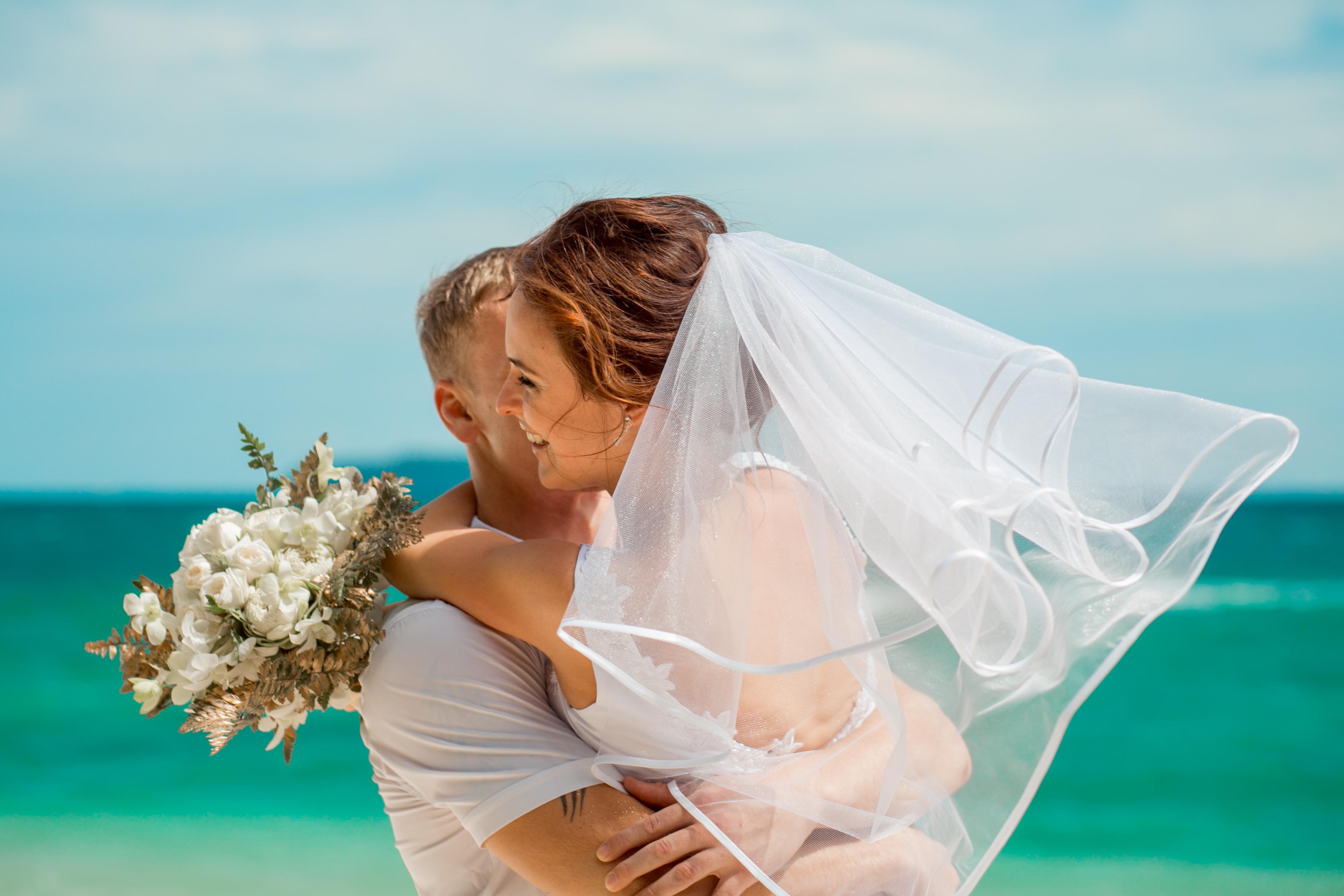 79Порно уединились на свадьбе